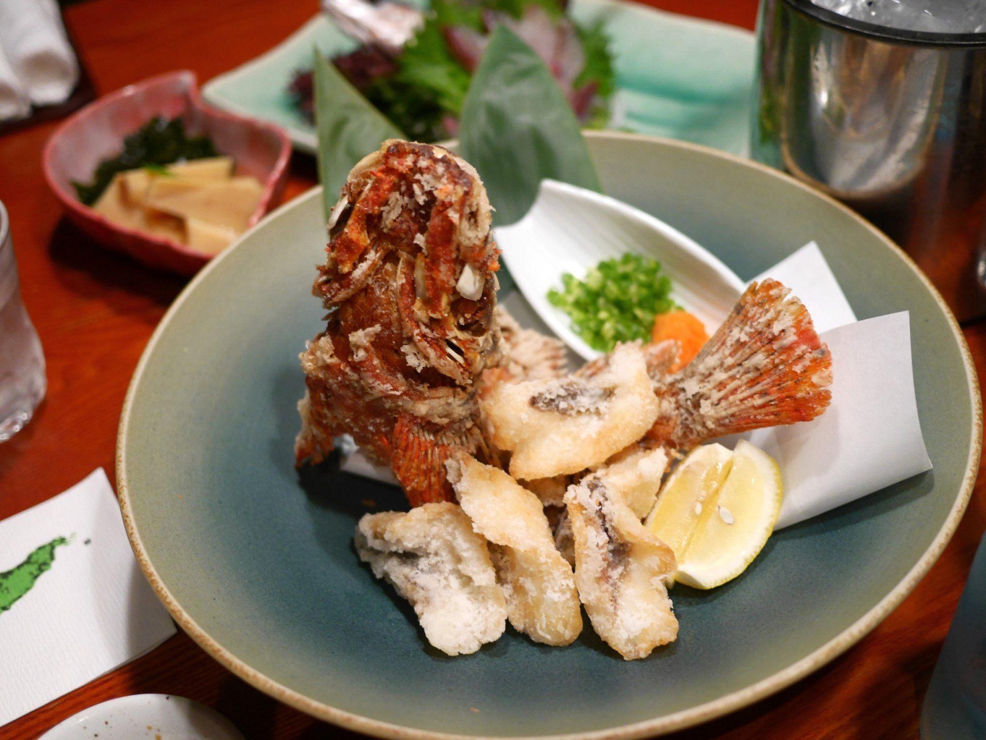 造型漂亮的油炸鮋鱼