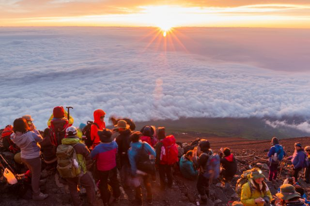 Climbing Mount Fuji, a World Heritage! (A Complete Guide to the Yoshida Trail)