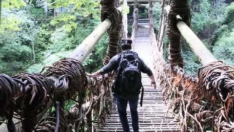 日本著名的三大奇桥之一 葛藤桥