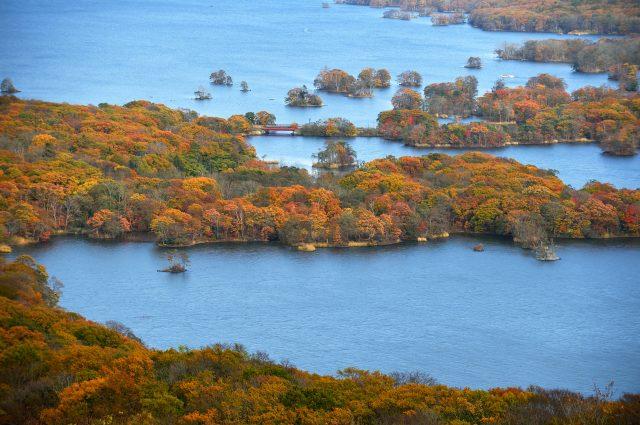 從日暮山展望台向湖中望去的迷人美景