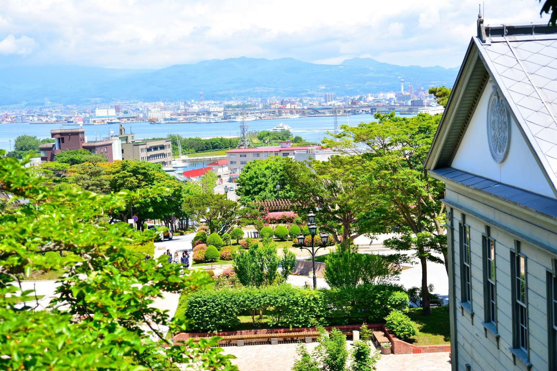 從元町公園展望台眺望函館港