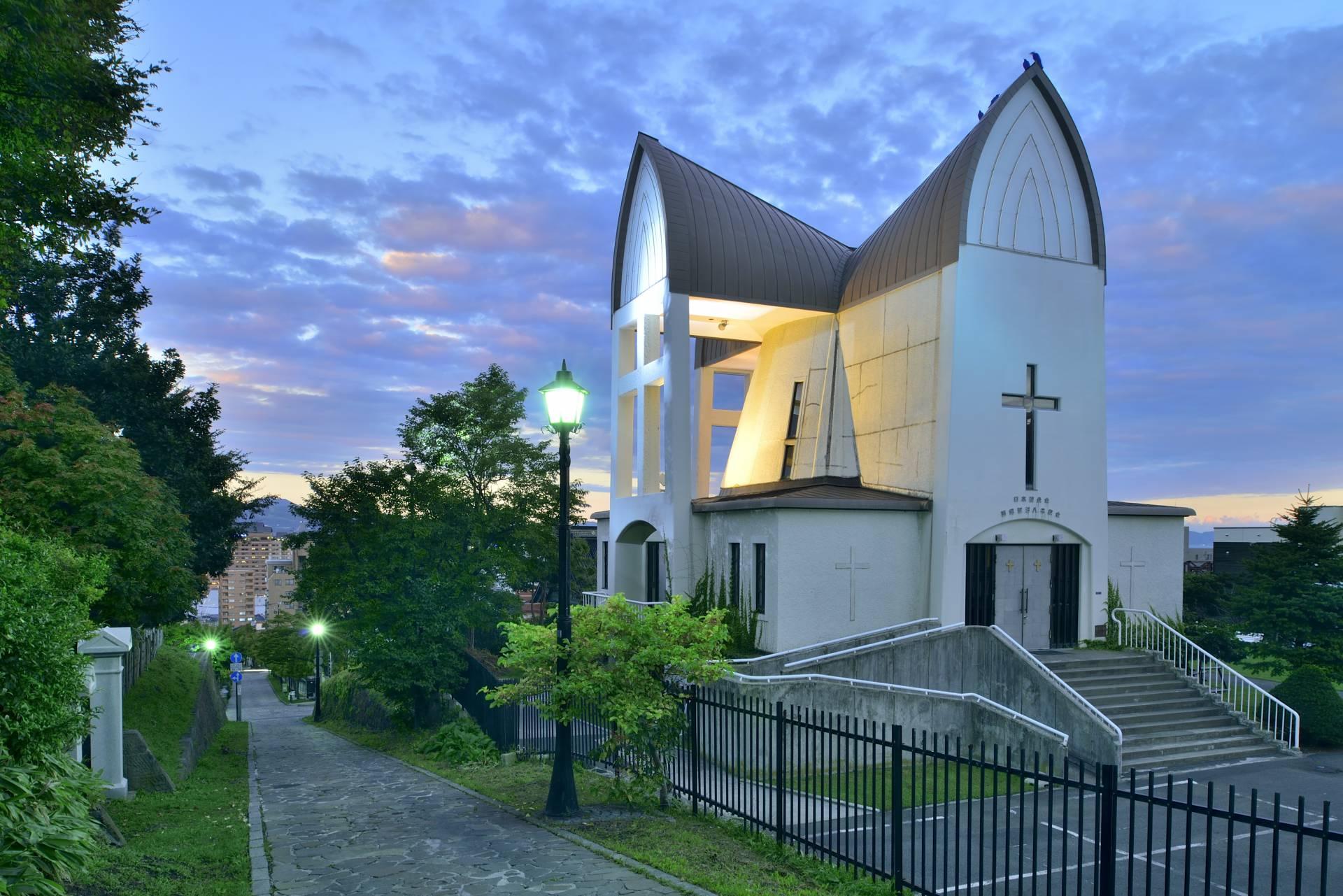 傍晚的函館聖約翰教堂