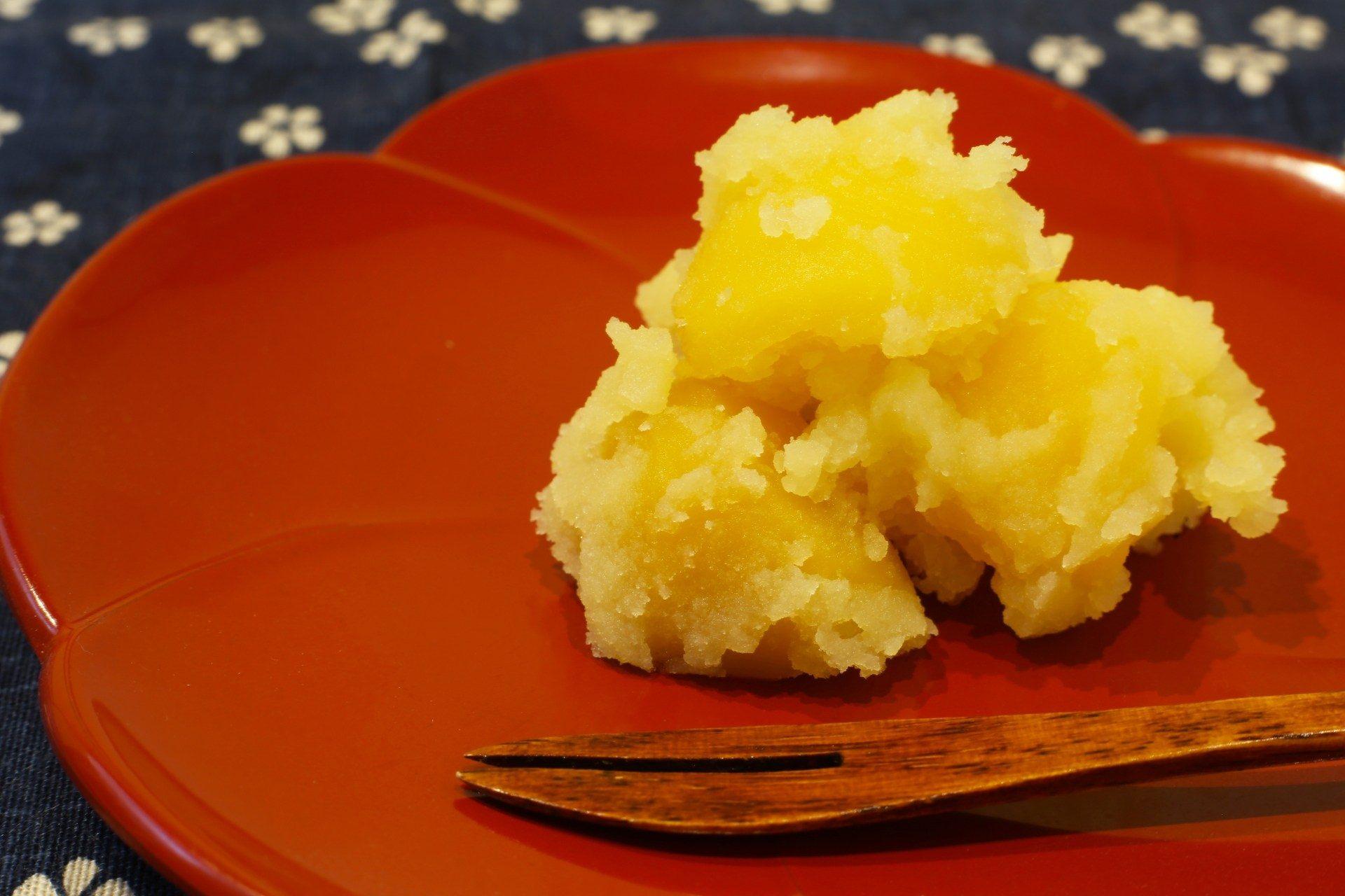 御節料理的代表食材: 栗金団(栗泥)