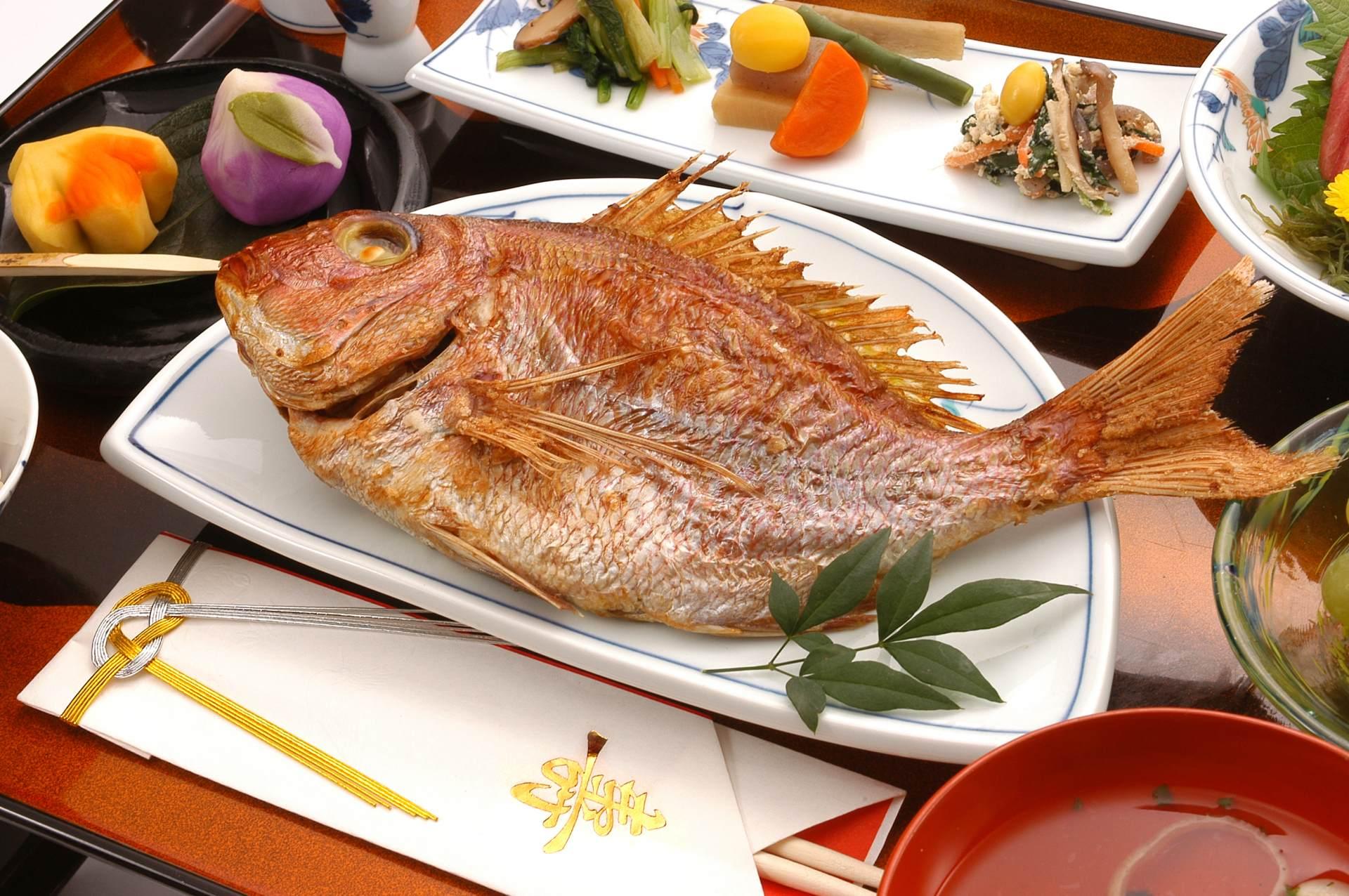 御節料理的代表食材: 鯛魚