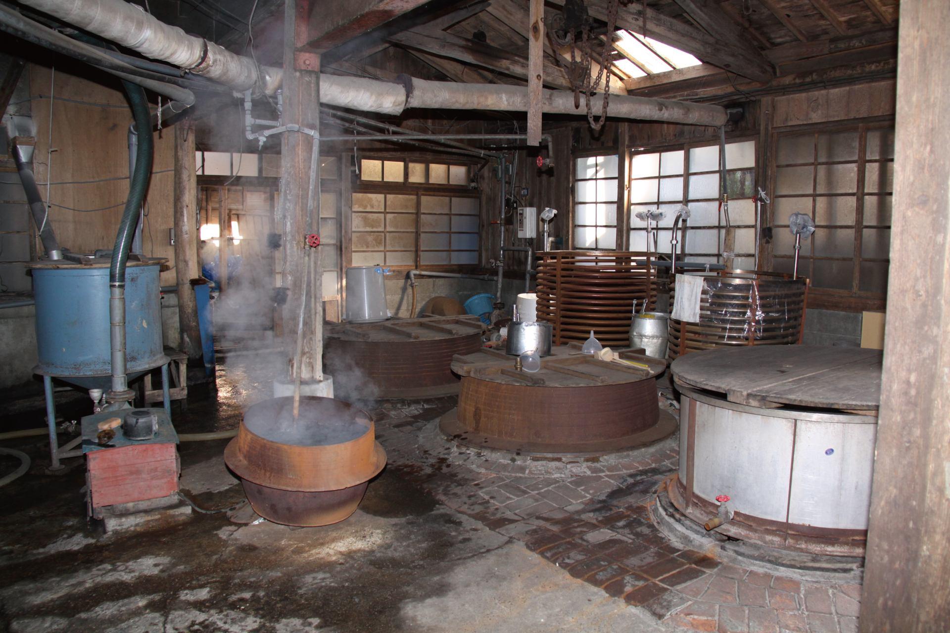 在東薰酒造免費參觀釀酒過程