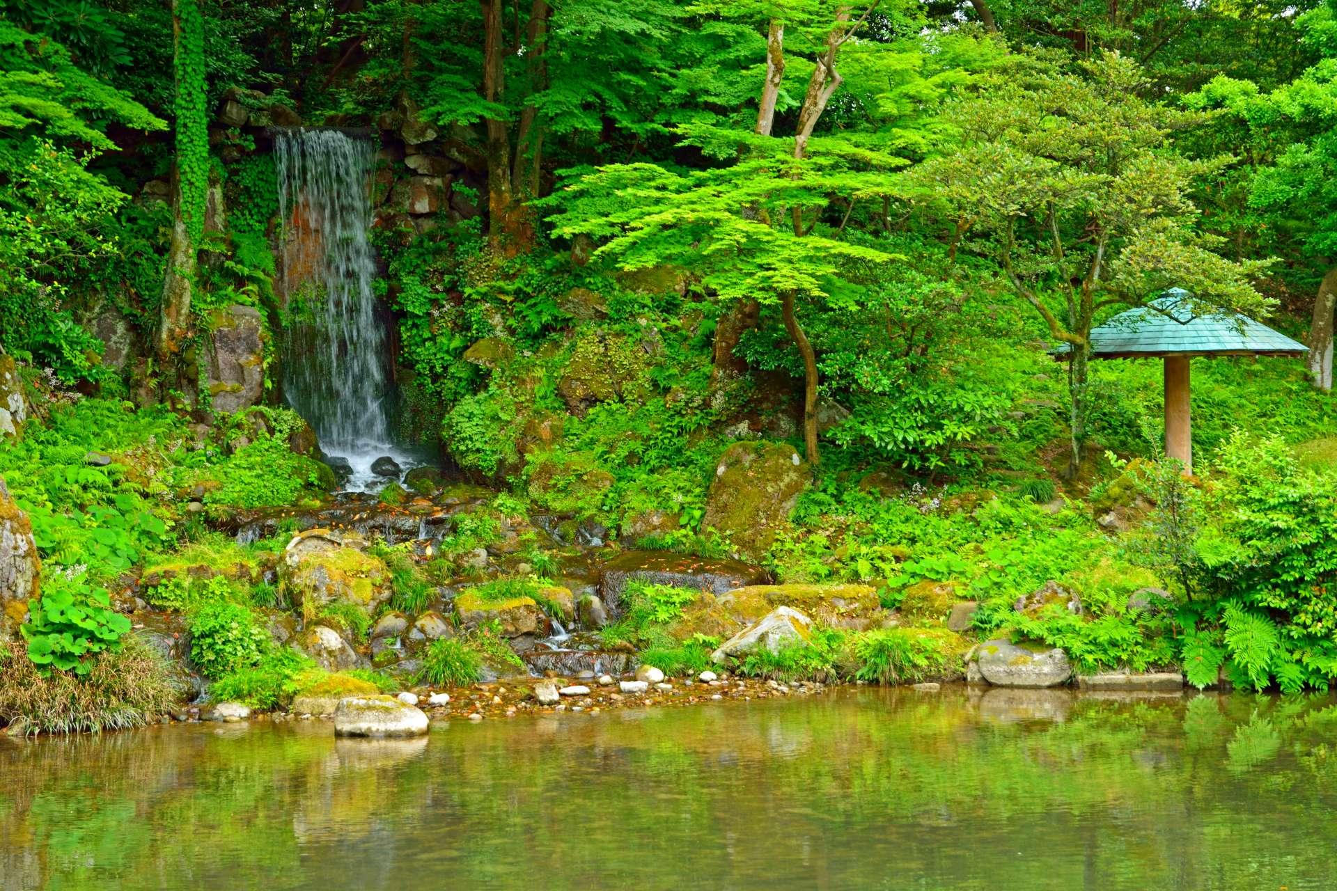 夏天的翠滝瀑布