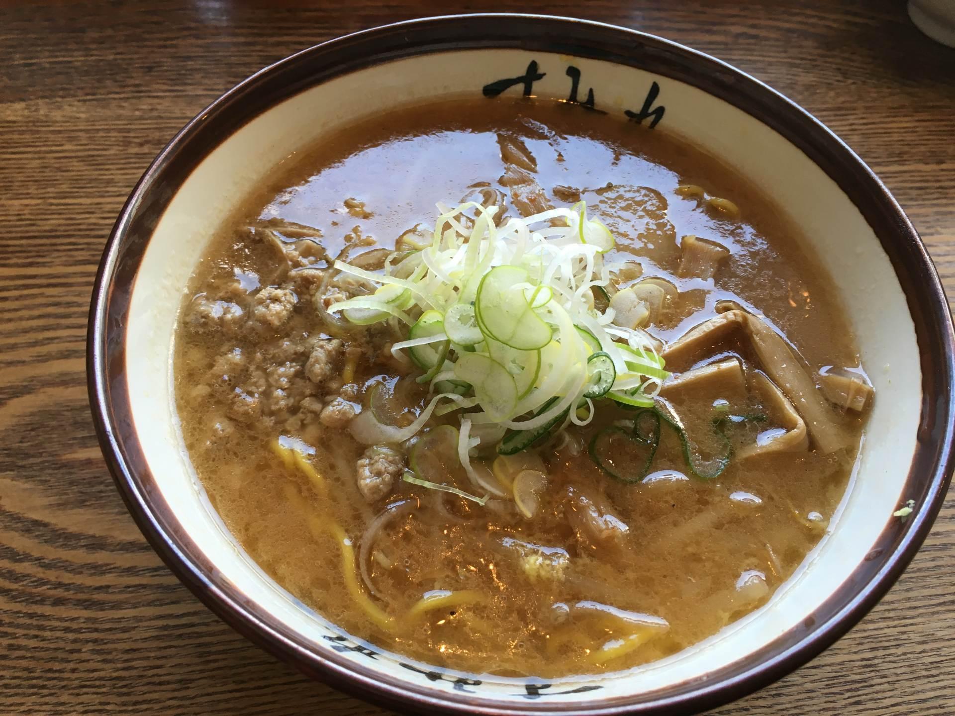 「すみれ 札幌本店」招牌拉麵:味噌拉麵(870日圓)
