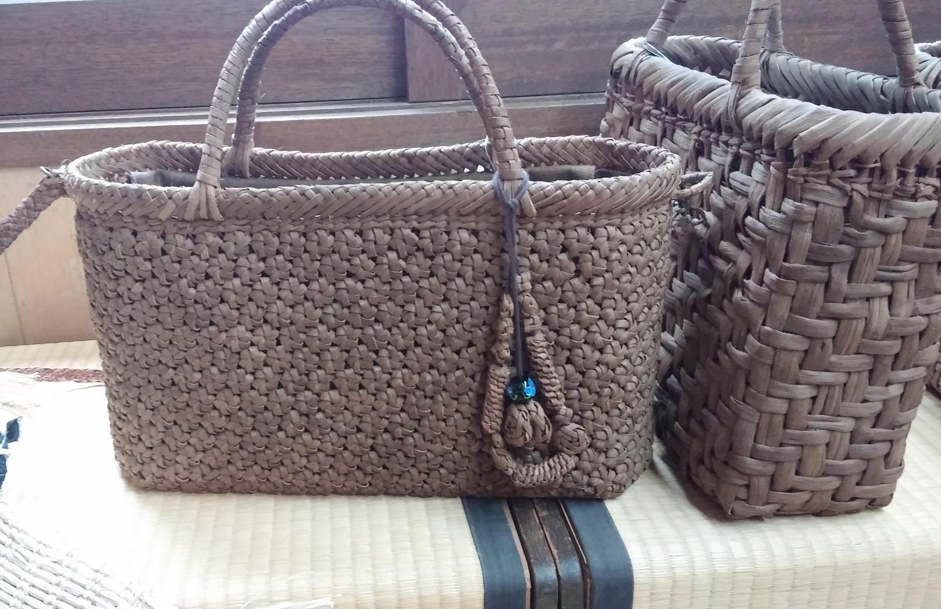 Recently, very stylish bags have also become popular.