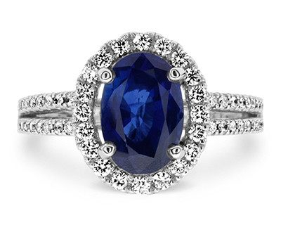 A ring (¥498,000) with a 2.47-carat sapphire placed