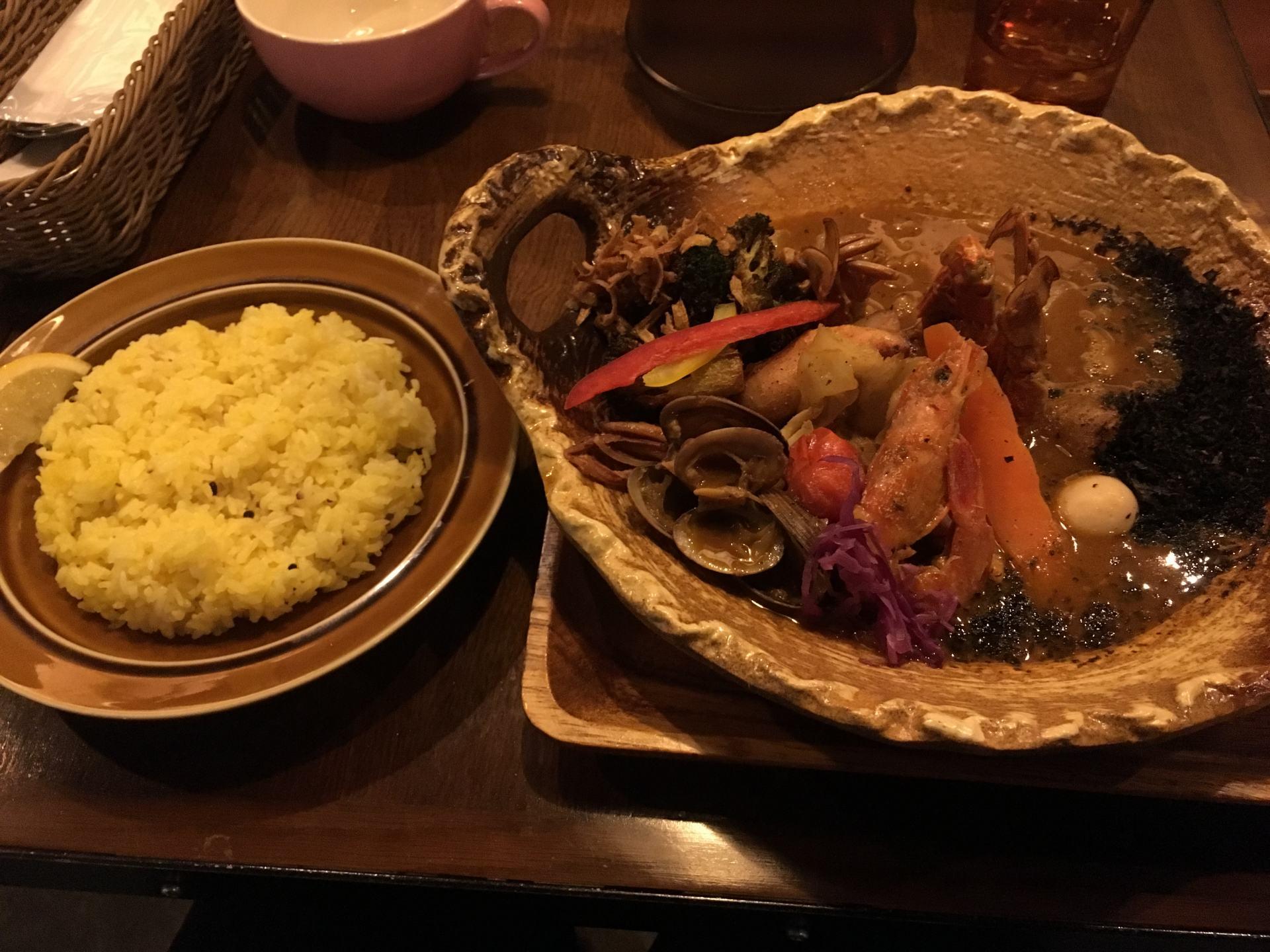 海鮮滿滿大海恩惠的鮮魚湯咖哩