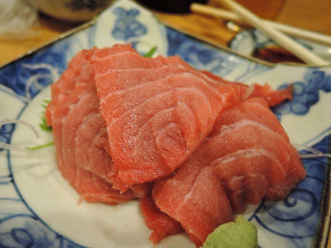 於青森縣大間町捕獲的大間鮪魚頭肉生魚片