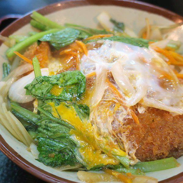 ハイウェイ(Highway)食堂 青菜也是滿滿一碗的炸豬排丼