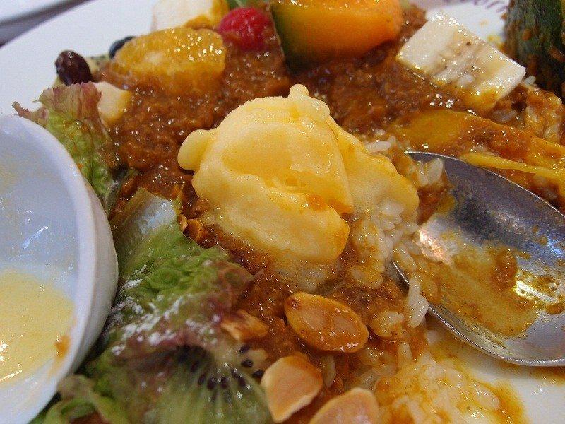 A Votre Sante Endo, the yuzu (a type of citrus fruit) sherbet