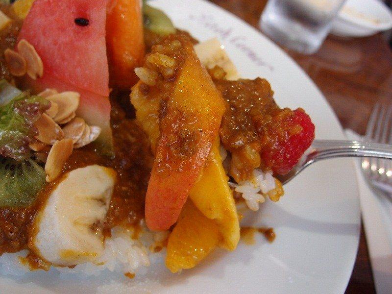 A Votre Sante Endo 水果咖哩飯 特別的口味也讓人讚不絕口