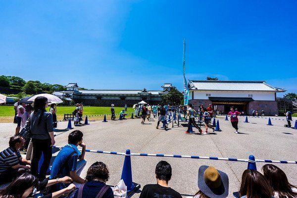 石川门 游客