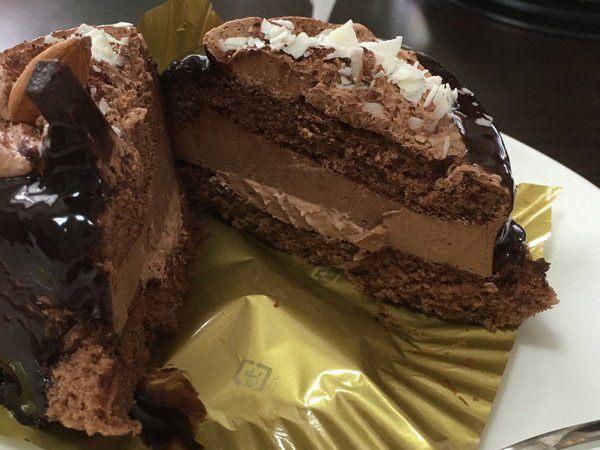 Circle K Sunkus 巧克力蛋糕 切开后的外観