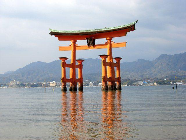 秋季的宮島‧嚴島神社漫步。