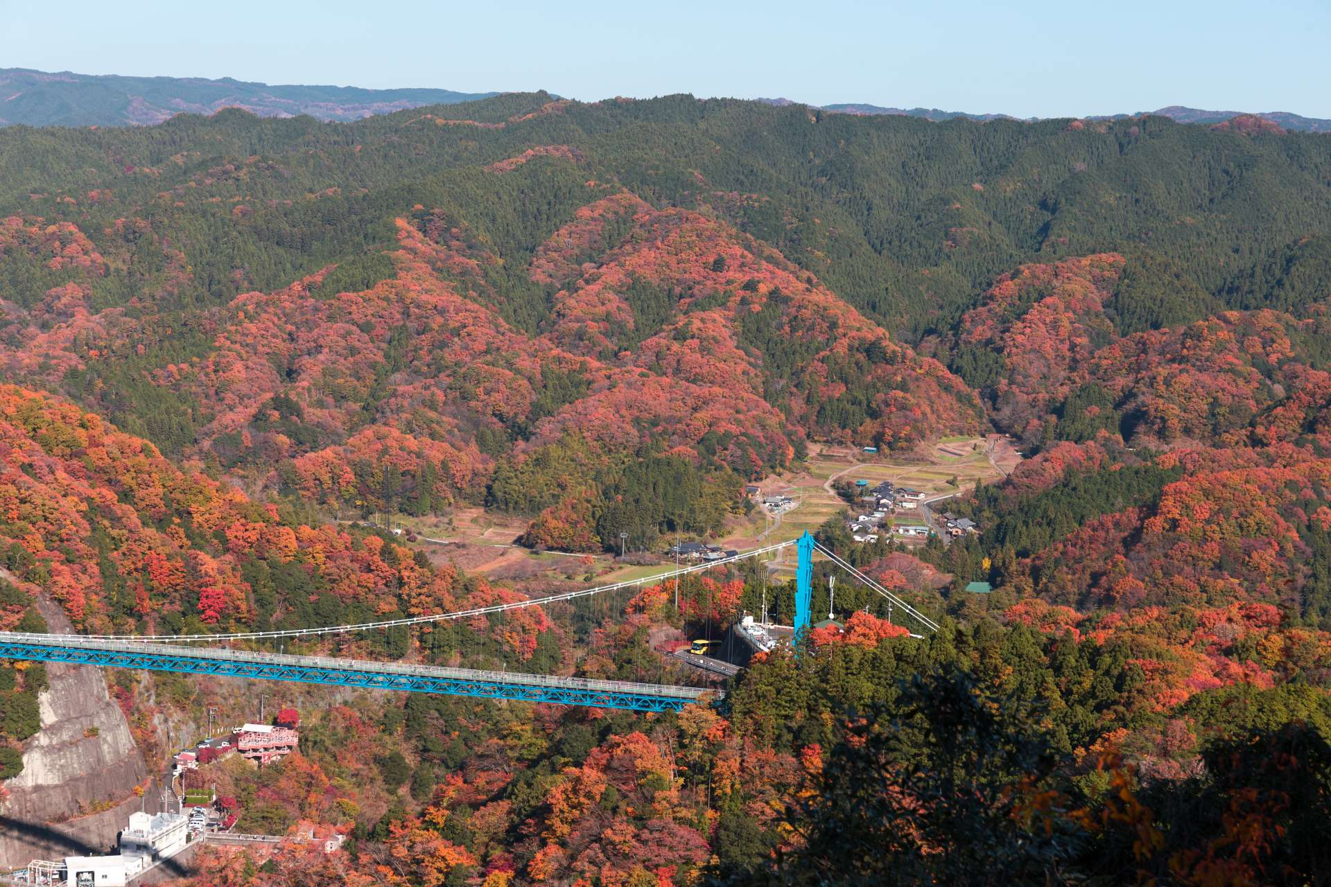 Ryujin Great Suspension Bridge, Autumn Leaves, Ryujin Dam