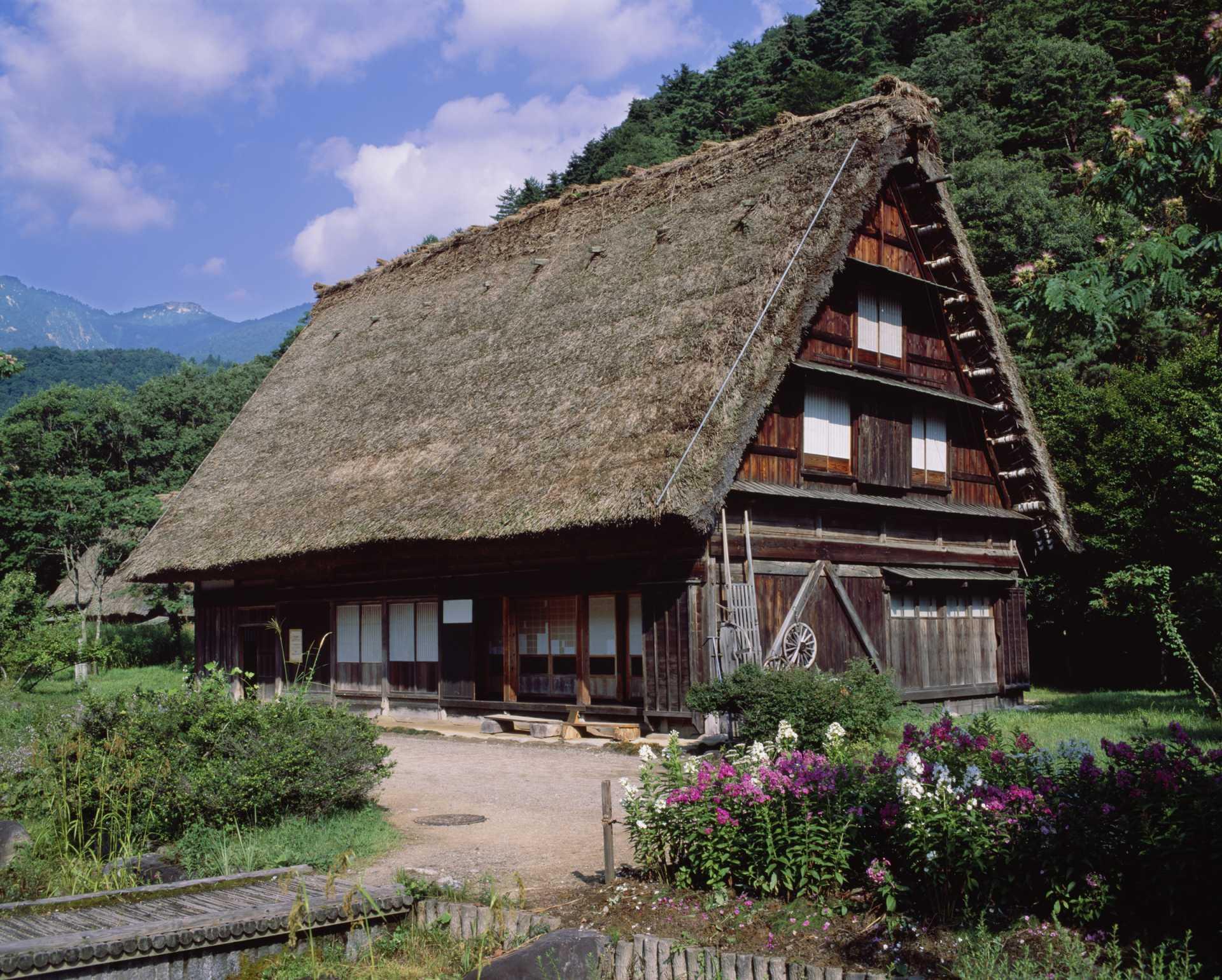 白川乡、岐阜、合掌造聚落、世界遗产、传统建筑群保护区、新绿