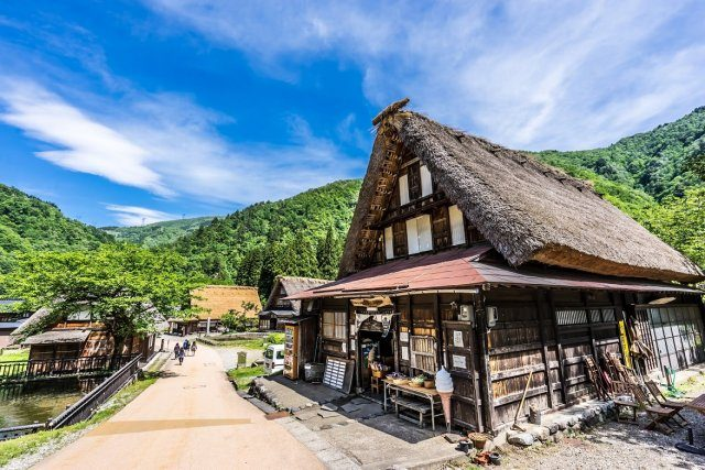 See Remnants of Japan's History Through Gassho-Zukuri Architecture at the World Heritage Site of Gokayama in Toyama Prefecture