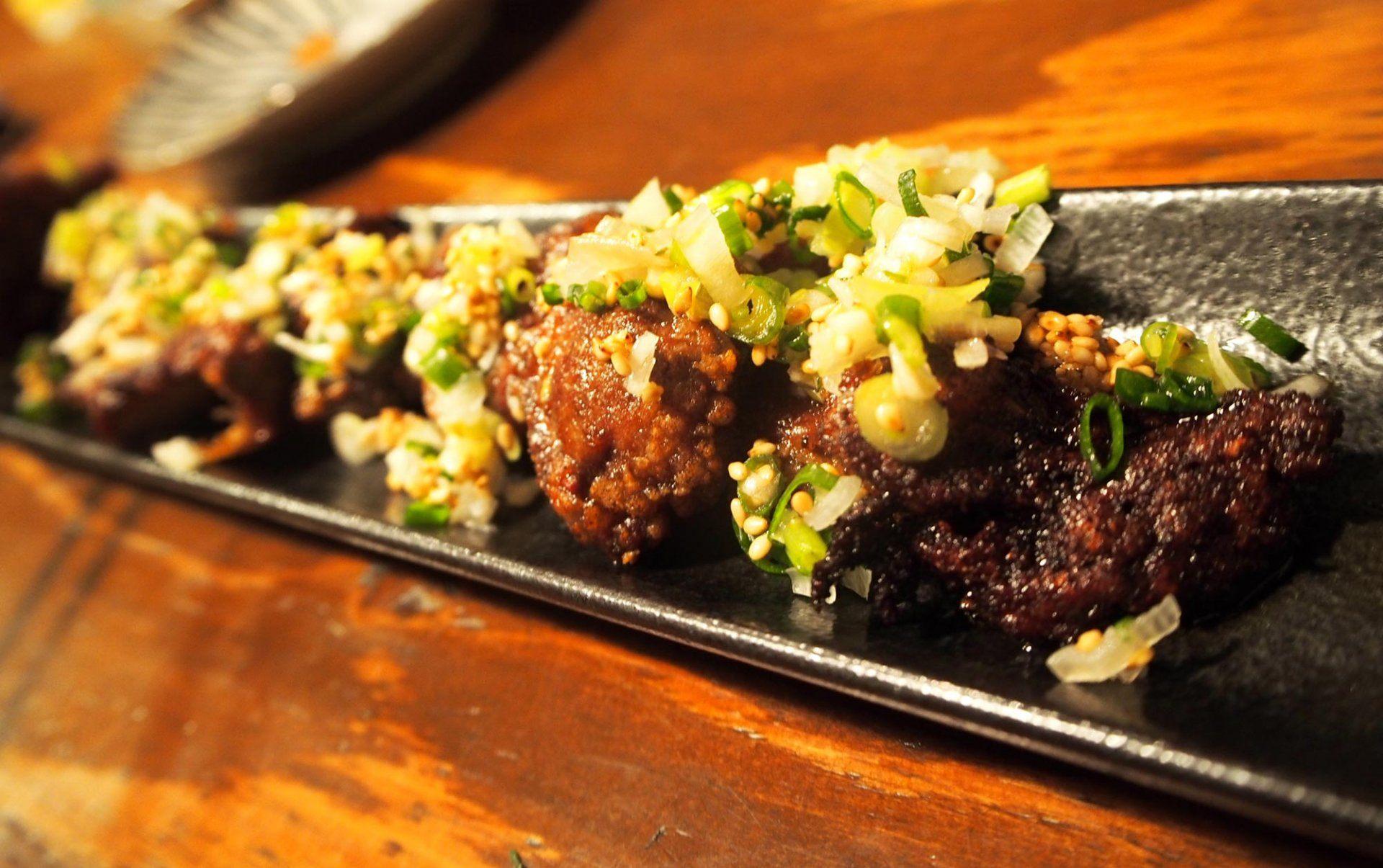 炙燒生內臟   蔥鹽醬  600日圓