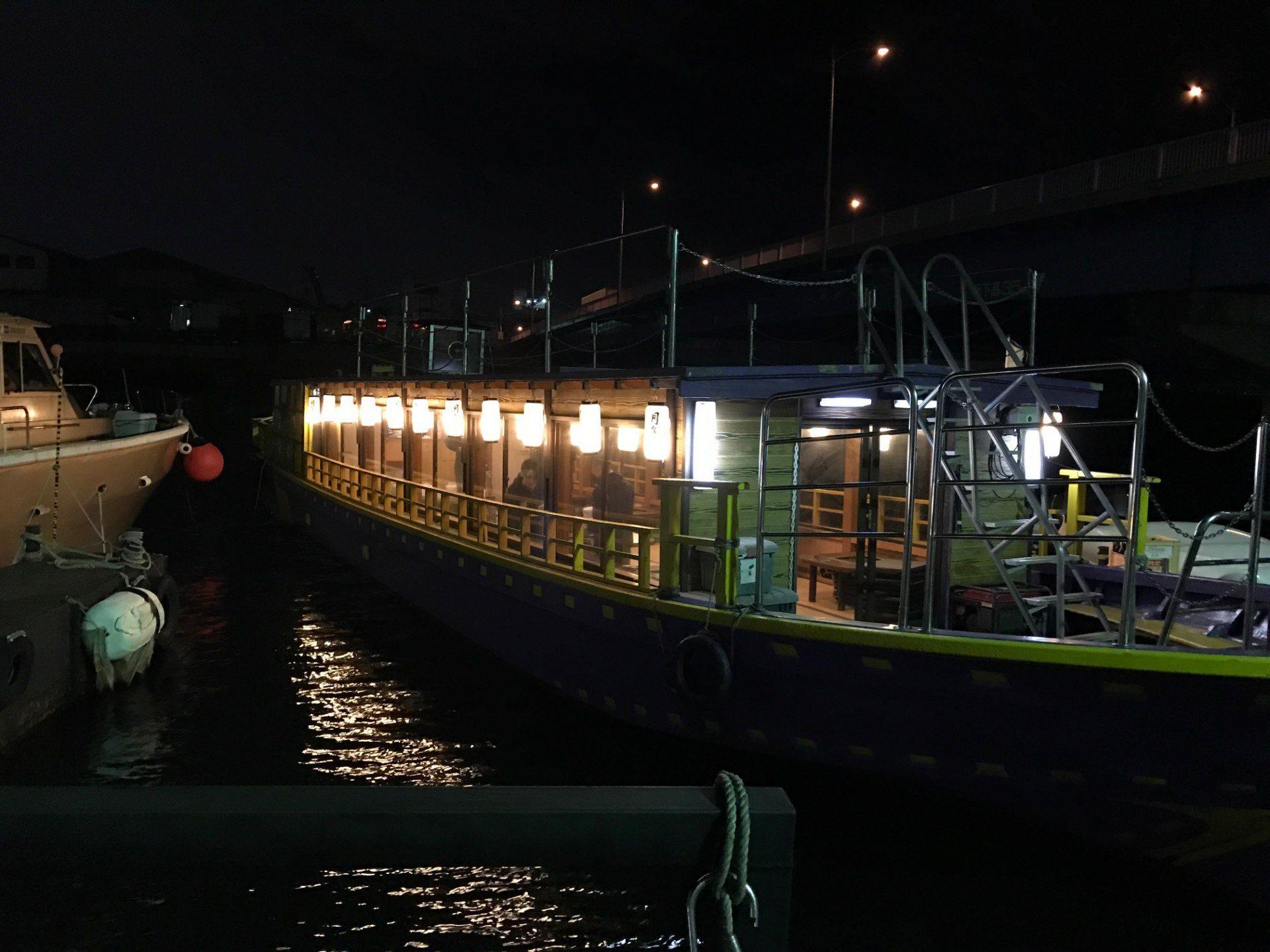 從新木場航行至台場的屋形船