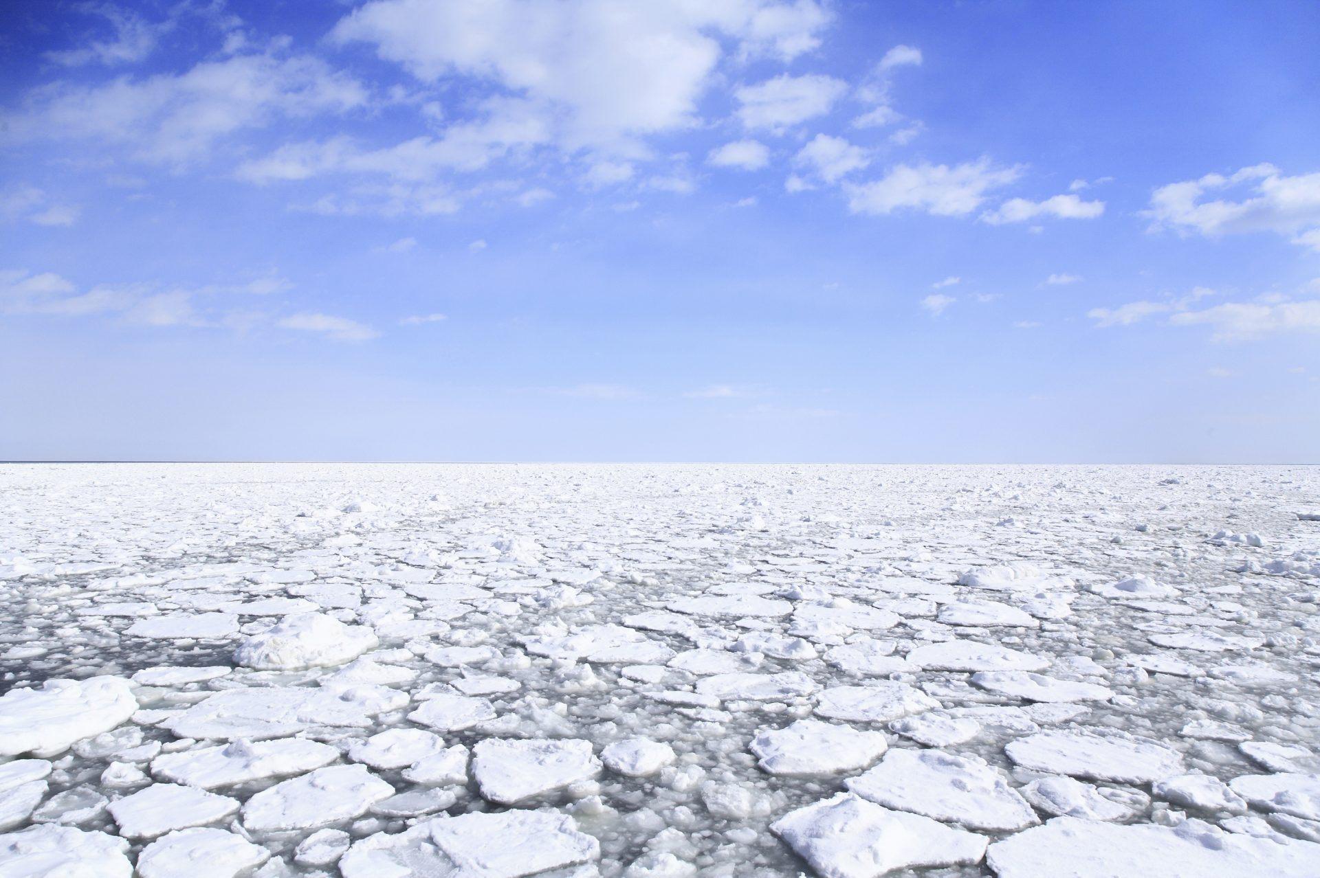 鄂霍次克海的流冰