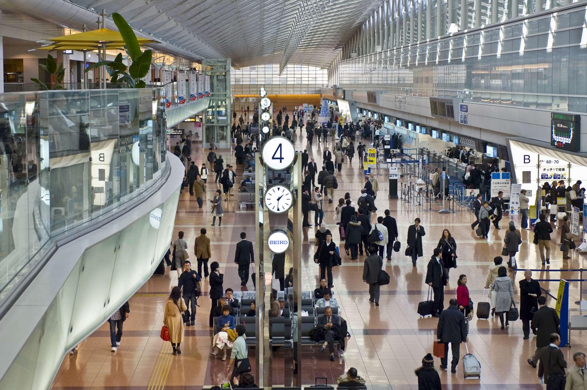 羽田机场、机场第2大楼车站、出境大厅、日本、机场、候机大厅