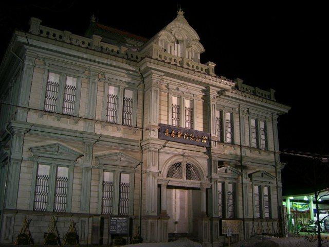 夜晚的青森銀行紀念館