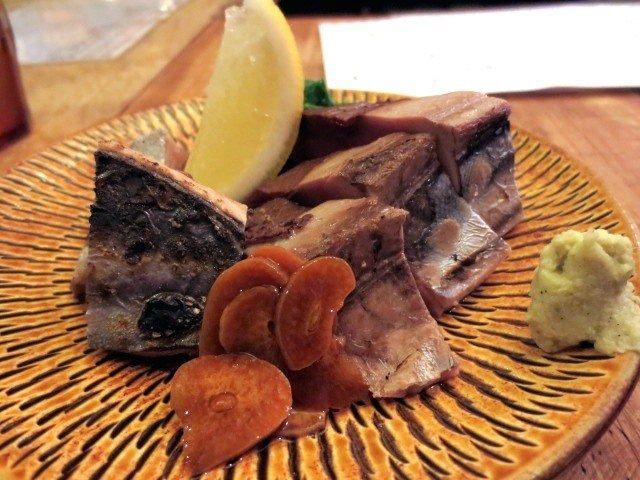 拍鬆鰹魚肉(1250日圓)