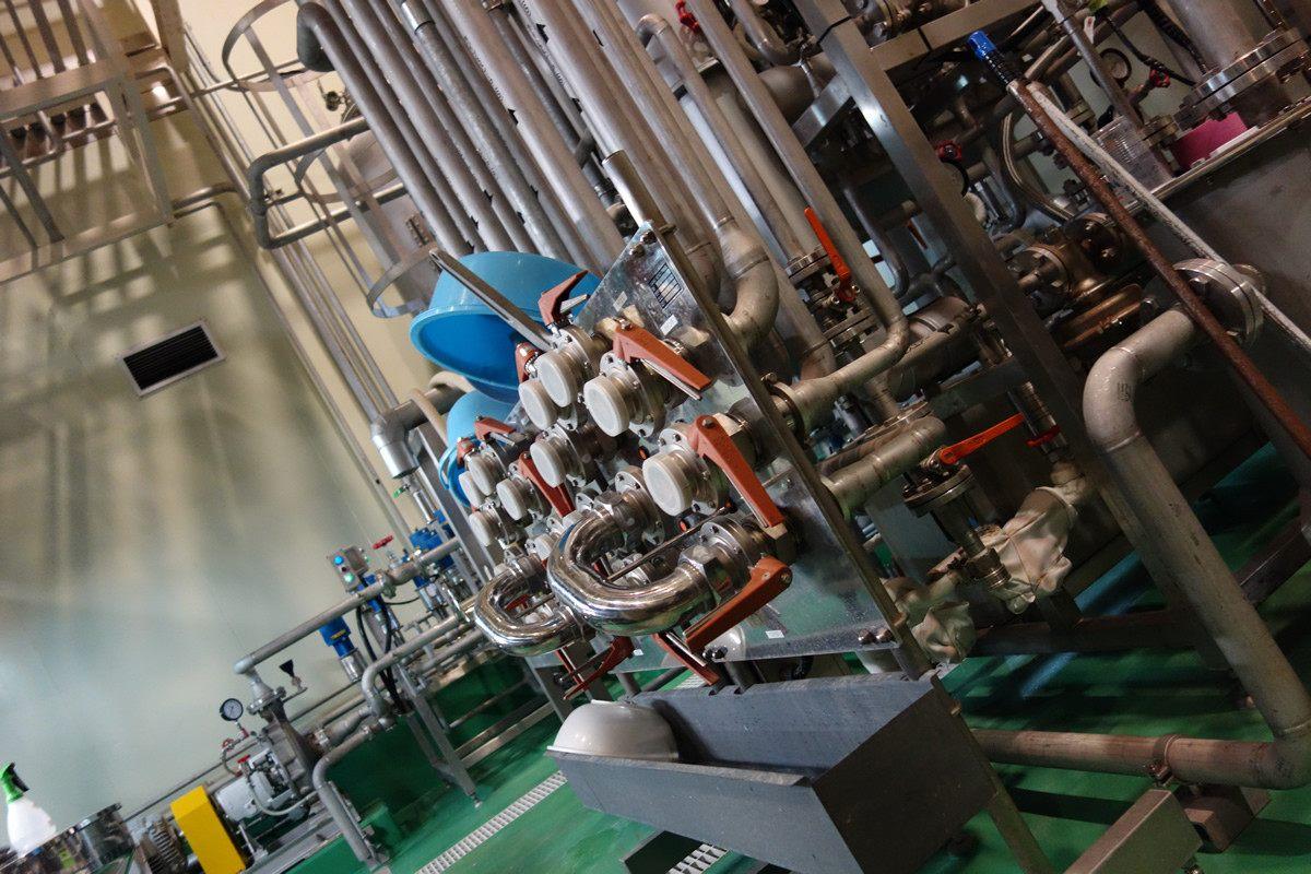 生产奢华兰姆酒的工厂内部