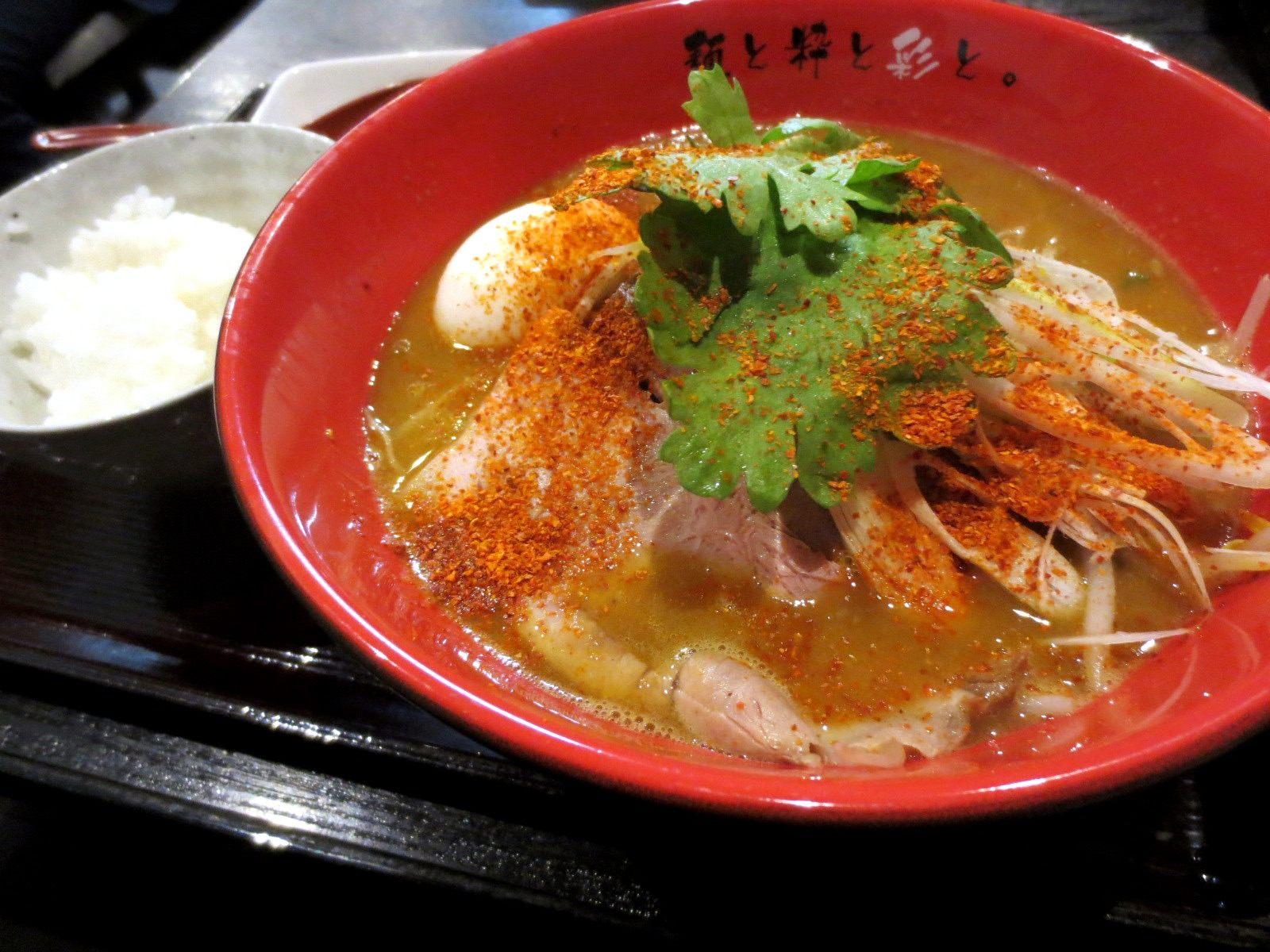 辣味味噌拉麵加小碗白飯(950日圓)