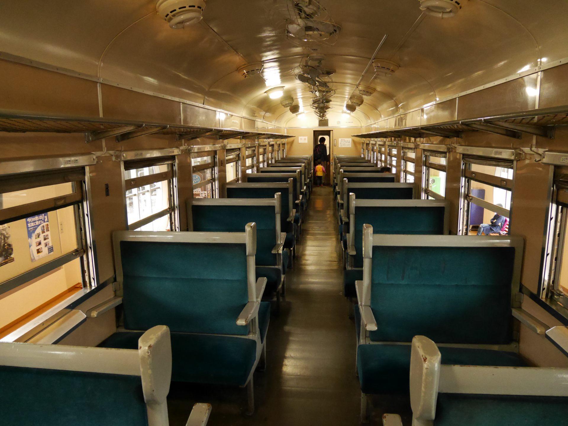 SL火車車廂內部