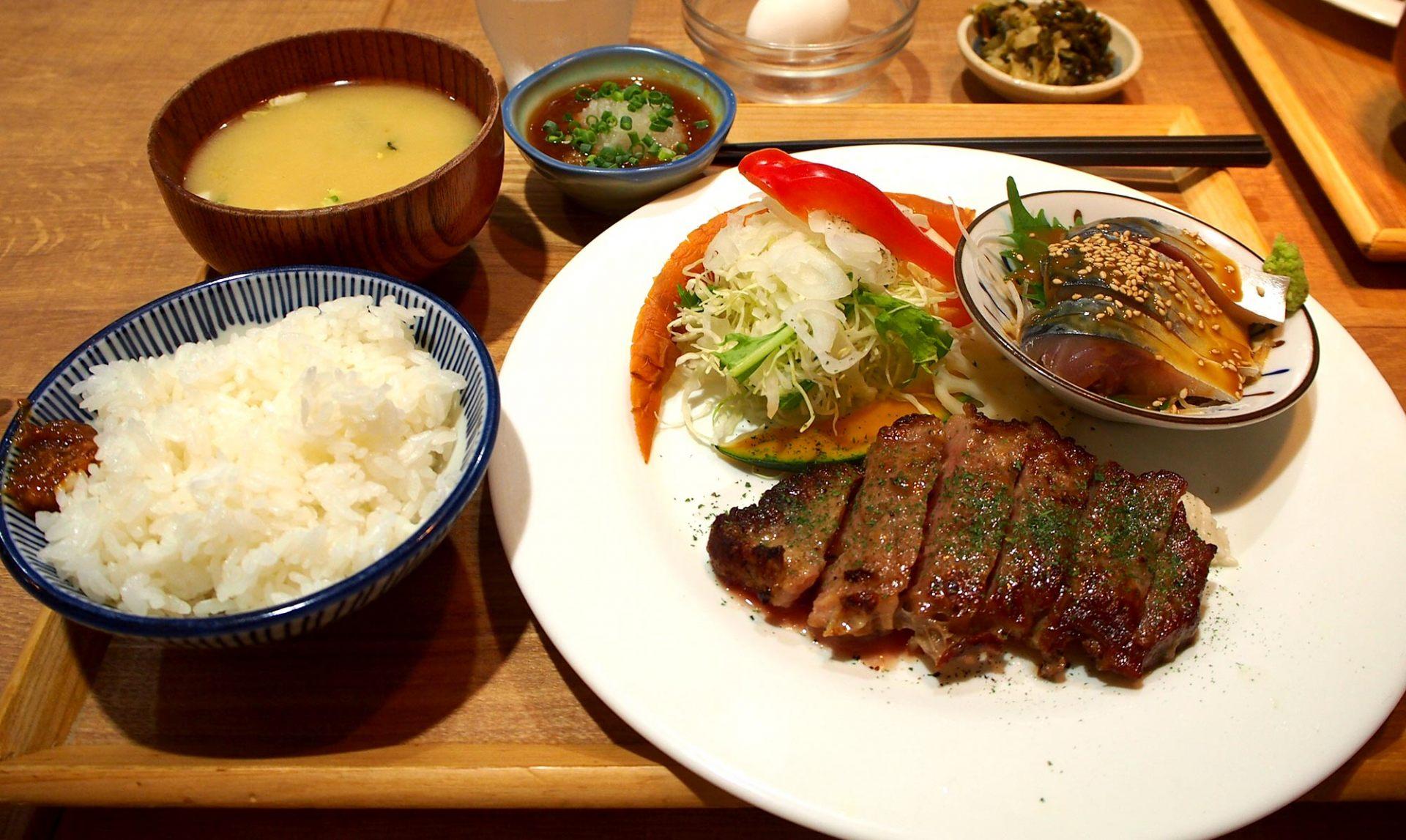 沙朗牛排&芝麻鲭鱼套餐