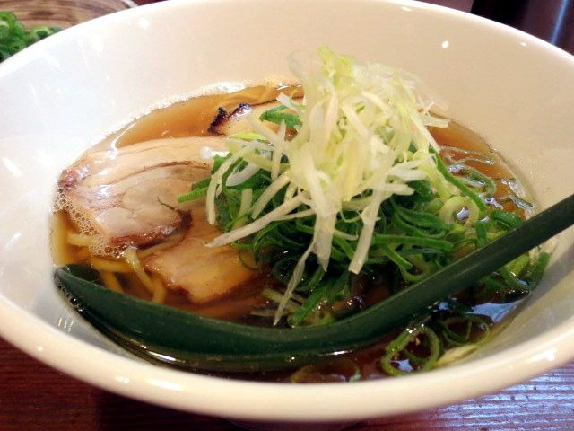 The Chyuka Soba was heaped with chopped spring onions