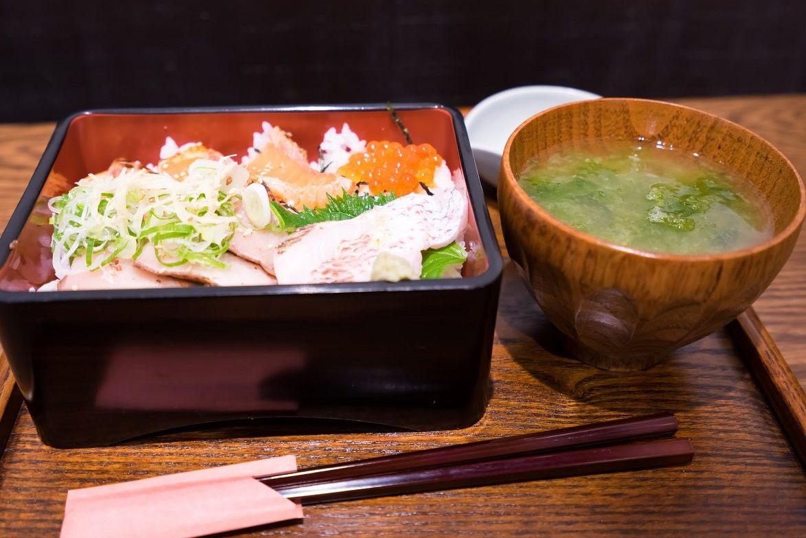 [Fresh sea food rice box]