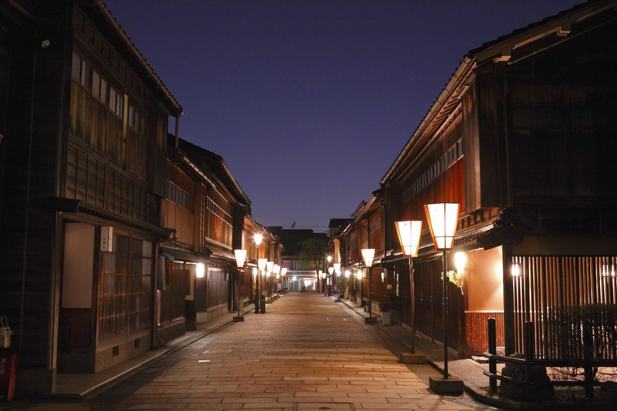 夜晚的東茶屋街