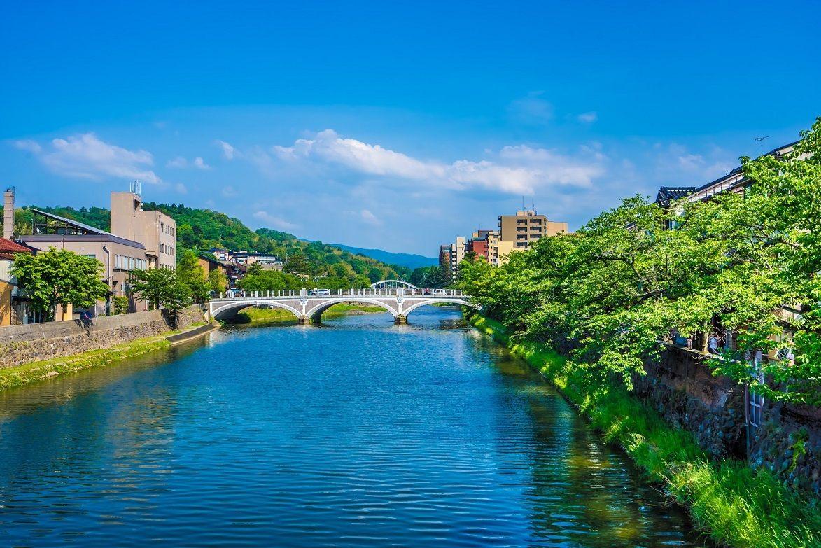 從中之橋望向淺野川大橋的美麗景緻