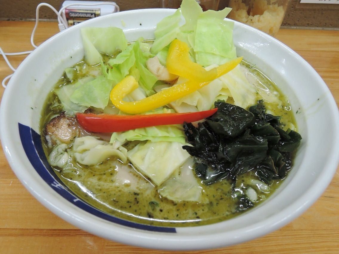 Green ramen containing around 600,000,000 euglenas