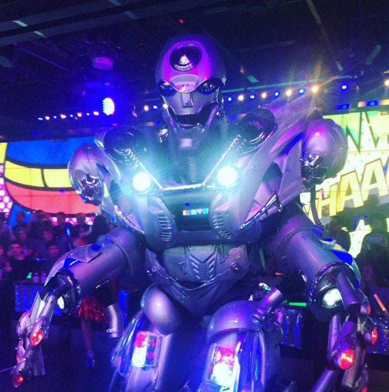 Huge robots appear in the later part of the show