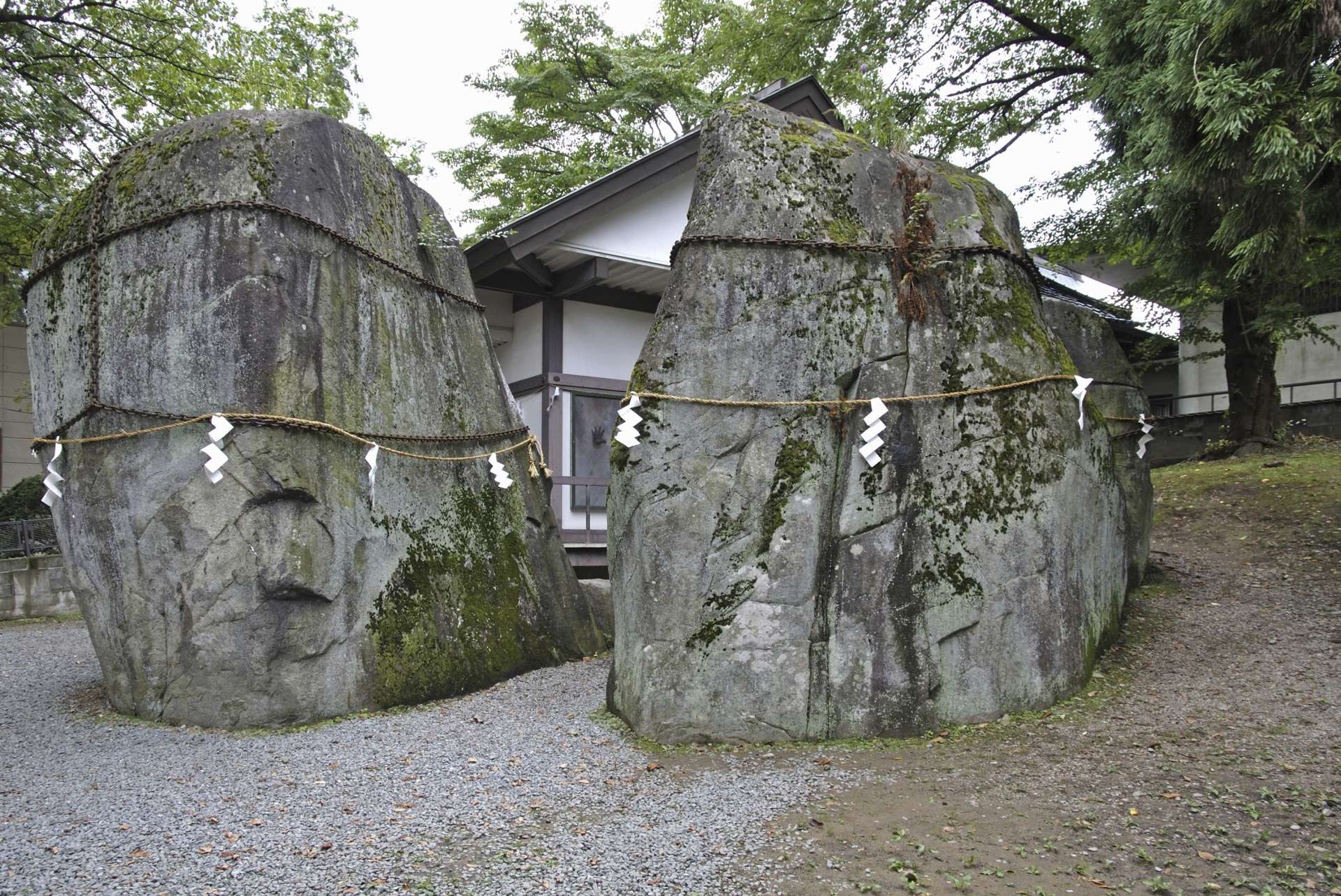 The large rocks of Mitsuishi Shrine