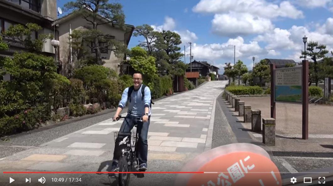 在天橋立騎腳踏車的Alan