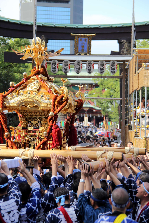 富冈八幡宫本祭举办时的场景