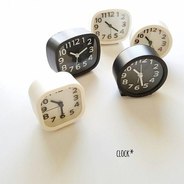 Clocks in square, rectangular and round designs