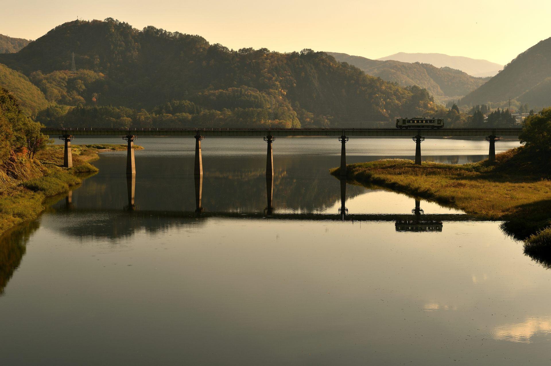 錦秋湖的黃昏