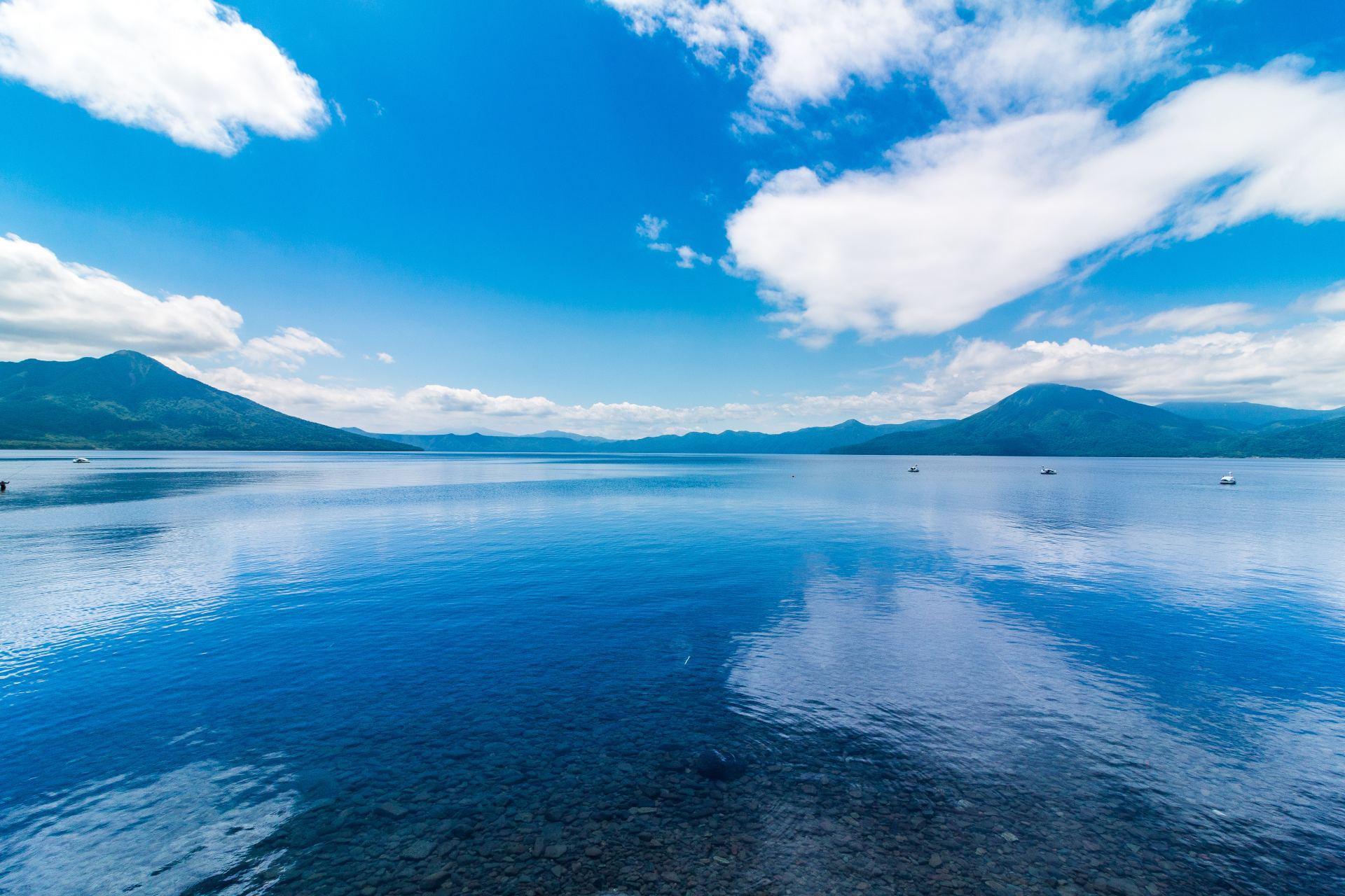 清澈透明、水質日本第一的支笏湖