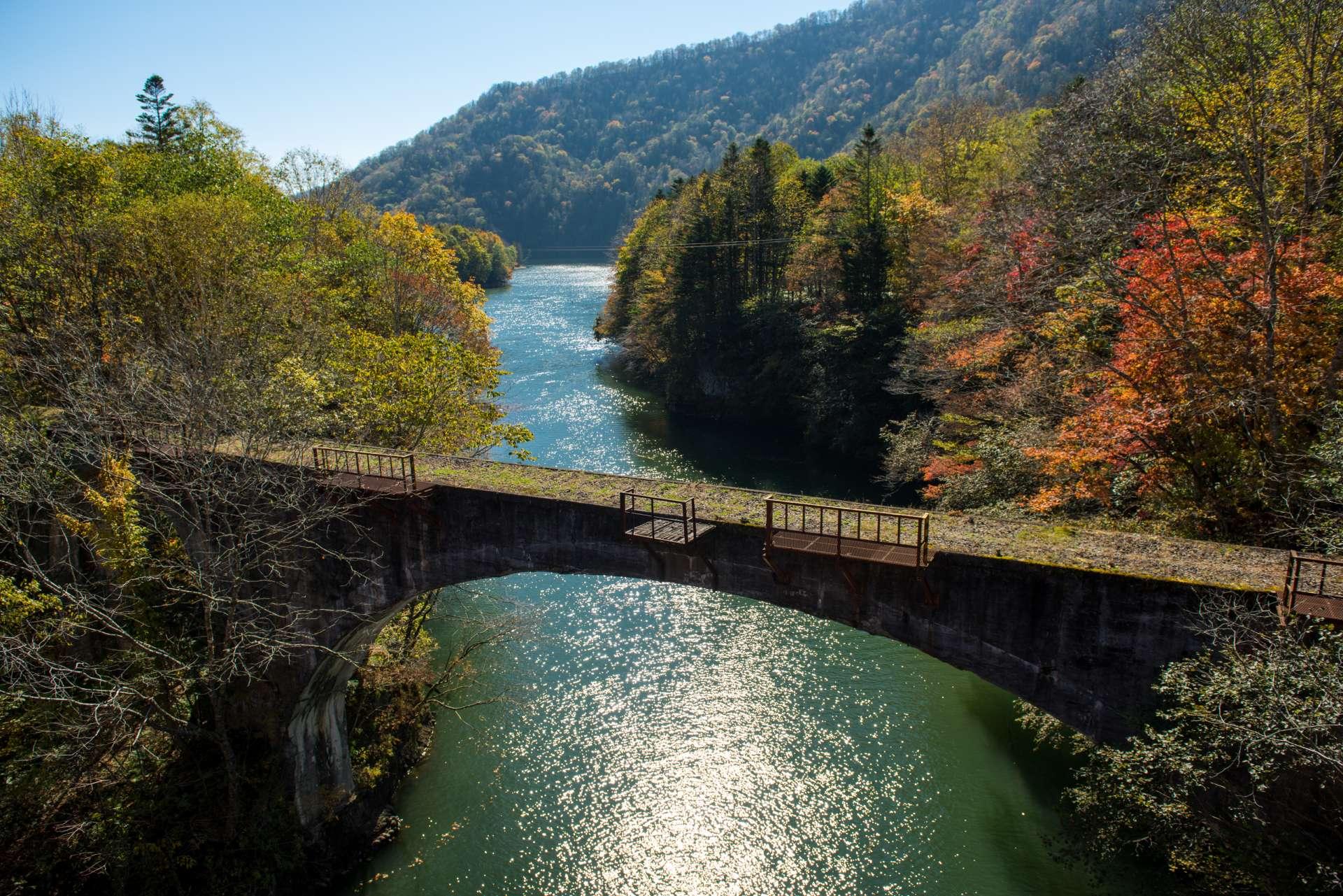 第三音更川橋和紅葉