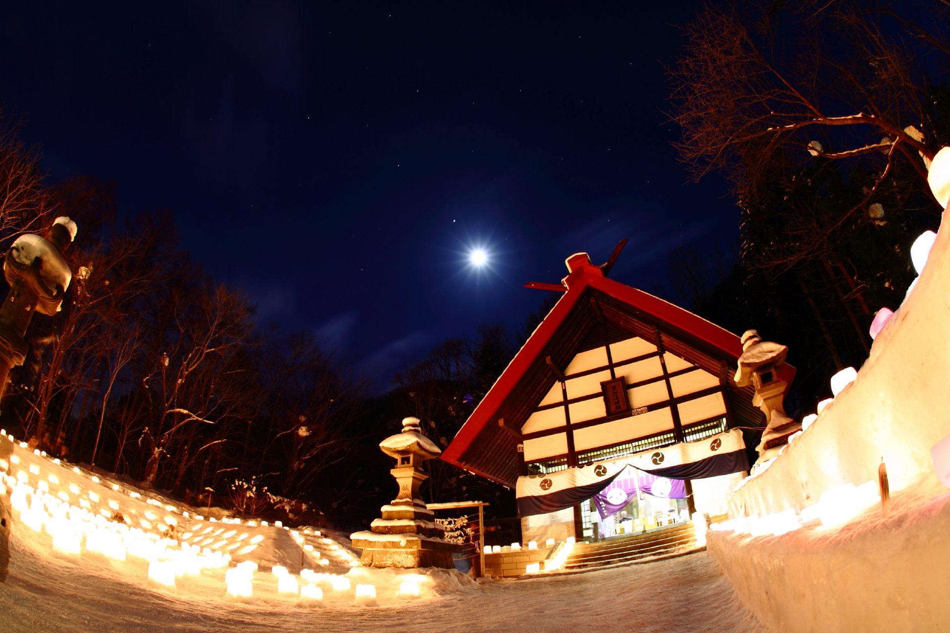 冬天的定山溪:定山溪溫泉(雪燈路)