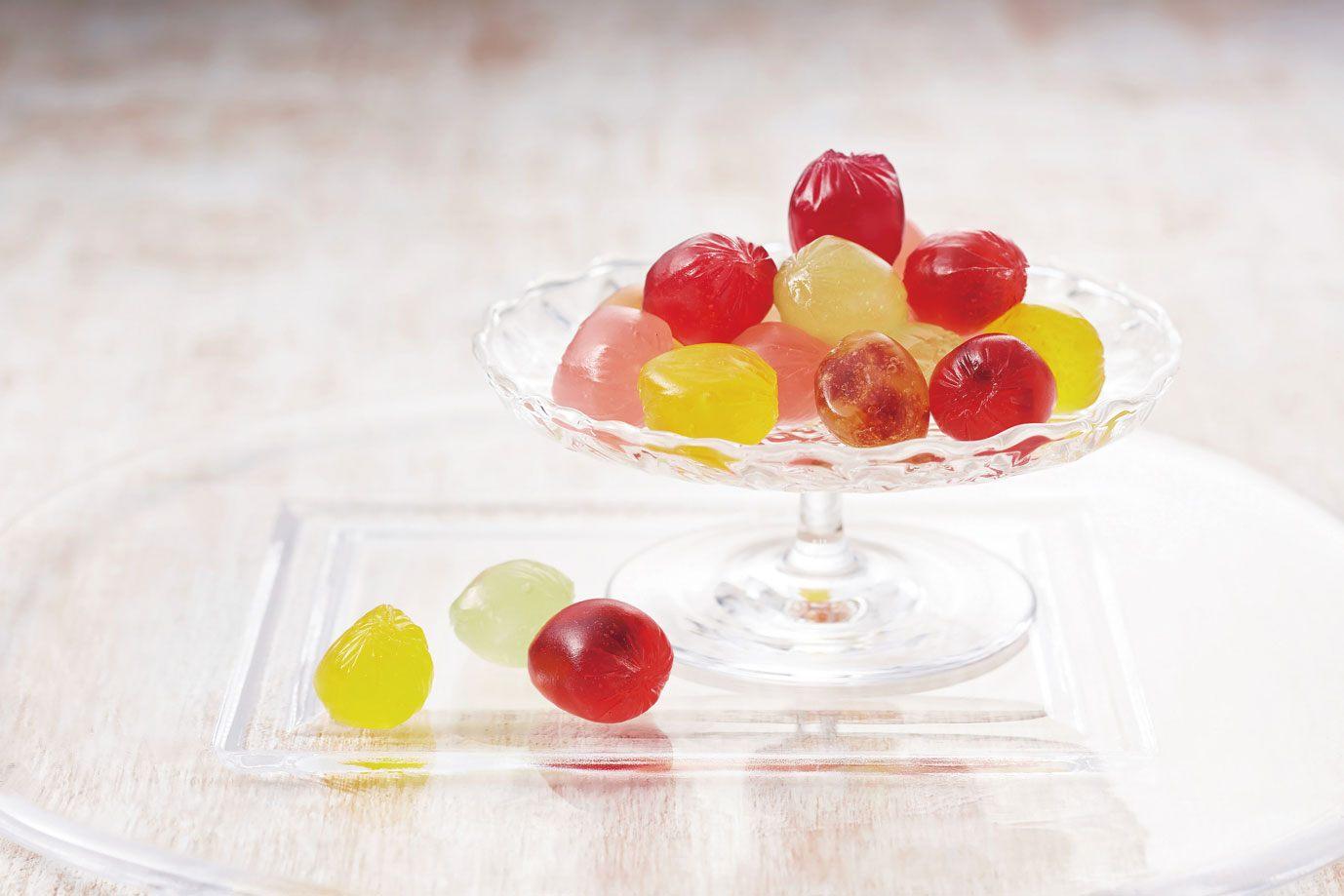 Lemon, Muscat, Kyoho Grape, Plum (540 yen per box, 8pcs)