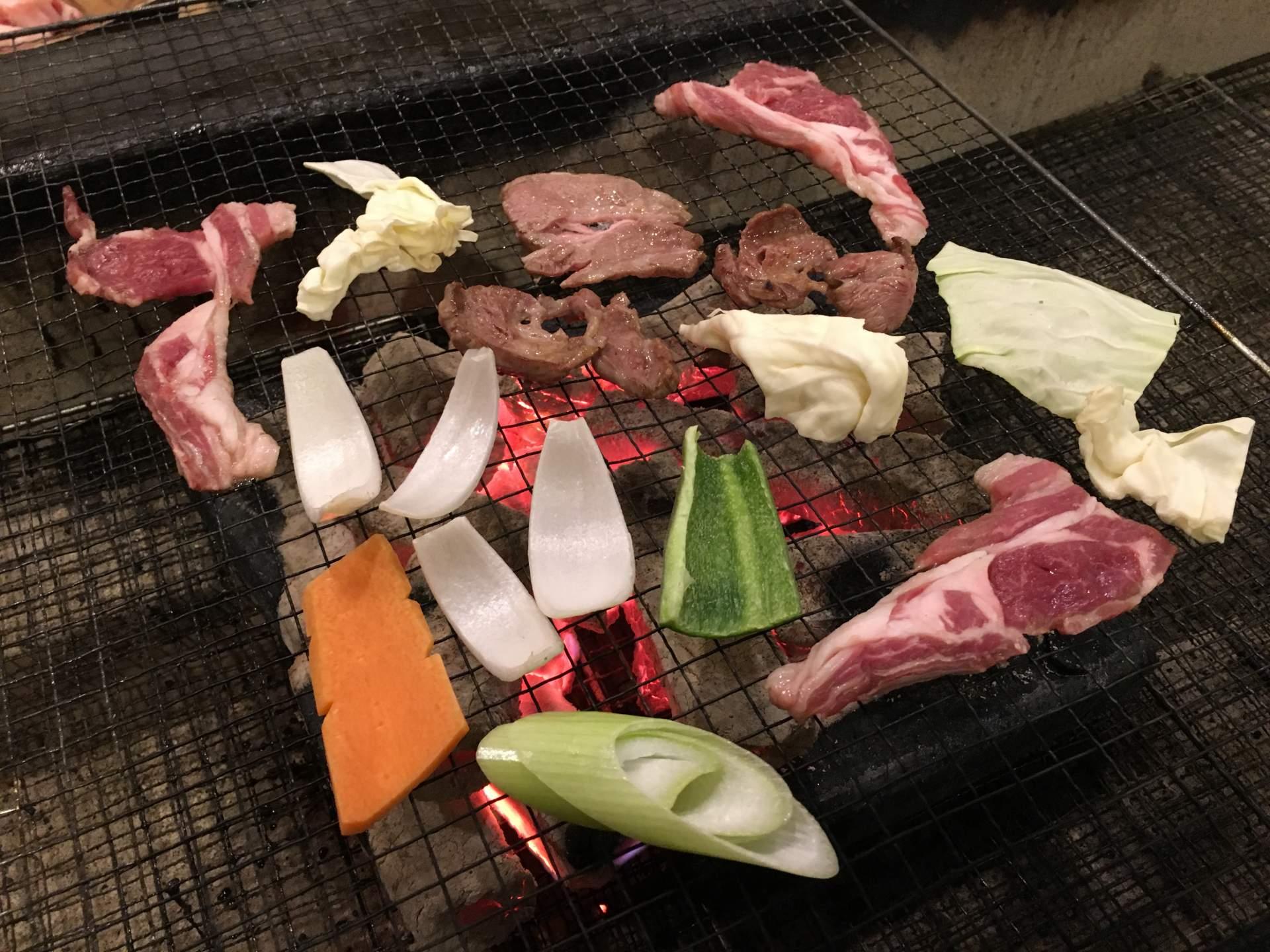 BBQ風格的烤羊肉